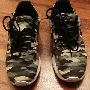 Nike camo running shoe